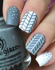 This Chevron style is much easier to do since there's no need for cutting and scotch tapes. Just create three vertical lines then it would be easy to make the V-shaped patterns along the lines.