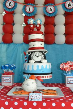cat in the hat birthday theme ! very cute.