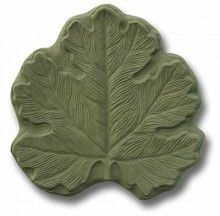 Garden Molds - make your own - http://www.gardenmolds.com/big-leaf-stepping-stone-mold/