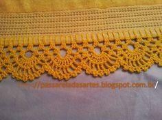 Uma simples toalha de rosto ganha um visual mais requintado com um bonito trabalho em crochê. Confeccionado com fio de algodão de...