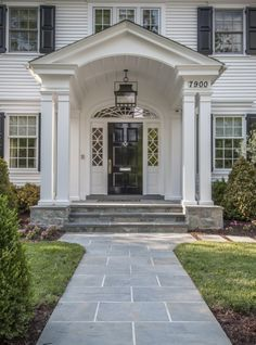 47 Ideas for colonial exterior remodel entrance Front Porch Steps, House Front Porch, Front Porch Design, Porch Columns, House Entrance, Front Stoop, Front Entry, Colonial House Exteriors, Colonial Exterior