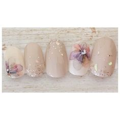 Opting for bright colours or intricate nail art isn't a must anymore. This year, nude nail designs are becoming a trend. Here are some nude nail designs. Bridal Nails, Wedding Nails, Japanese Nail Art, Nude Nails, Gold Nails, Stiletto Nails, Coffin Nails, Acrylic Nails, Flower Nails