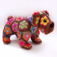 #ldjcrochethookup Day 30 (Crochet Toys) I haven't actually made any toys except for Tammy my Amigurumi bunny that I featured on Day 22 - this picture (credit to owner Heidi Bears) is of an African Flower Bulldog isn't he cute?! If I made any crochet toys I would definitely love to make one like this! @lazydaisyjones #missmolliesmakesaphotoaday #crochet #crochetaddict #crochettoy #africanflower #dog #bulldog #cute by craftingwithfelicity