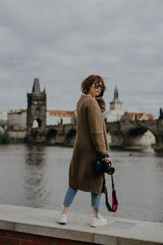 For unforgettable moments, Prague New Business Ideas, Short Trip, Photo Location, Solo Travel, Prague, Soloing, Cool Photos, Travel Alone