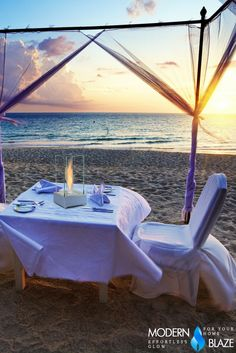 Perfect table decor for a romantic outdoor dining experience!