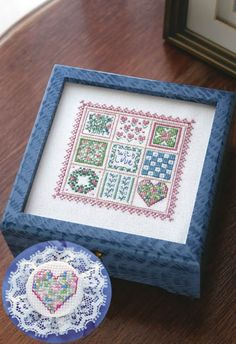 Crafts 'n Things | miniature flower quilt sampler box | free cross stitch chart with instructions