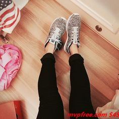 """site full of off! for people who burn through shoes"""" .or who just want them in every color! Best Sneakers, Sneakers Nike, Sneakers Fashion, Nike Shoes, Popular Sports, Half Price, Sports Shoes, Keds, Sporty"""