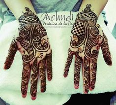 Planning a destination Indian wedding in Mexico? Don't forget to call Henna Artist - Mehndi by Veronica de la Paz!
