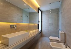 Image 3 of 24 from gallery of MC House / VismaraCorsi Arquitectos. Courtesy of VismaraCorsi Arquitectos Residential Interior Design, Interior Architecture, Contemporary Bathrooms, Modern Bathroom, Santa Fe, Sink Design, Spanish House, Ground Floor, House Design