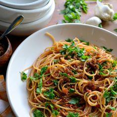 vegan: spaghetti with sundried tomato and almond pesto...