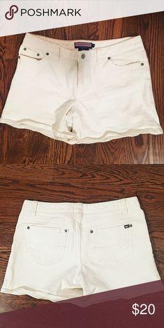 Vineyard Vines White Denim Shorts White denim. Vineyard Vines Shorts Jean Shorts