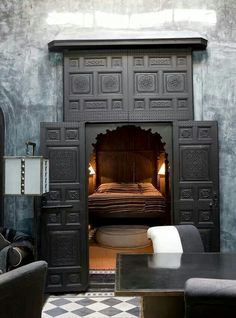 Cool way to decorate the entry way to the master bedroom.