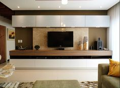CARDOSO CHOUZA ARQUITETOS tarz before photo resimlerine g z gezdirin Evinizi yarat rken fikir ve ilham almak i in tarz n za en uygun foto raflara ula n Tv Cabinet Design, Tv Unit Design, Tv Wall Design, House Design, Living Room Wall Units, Living Room Designs, Living Room Decor, Tv Unit Decor, Tv Wall Decor