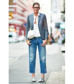 9 OFFICE STYLE RULES EVERY WORKING WOMAN SHOULD FOLLOW @Who What Wear - Rule 4: Jeans necessitate more formal pairings, like a blazer and smart oxfords.
