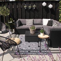 Patio Style– Expanding Your Residence Outdoors – Outdoor Patio Decor Budget Patio, Rattan Garden Furniture, Outdoor Furniture Sets, Pavillion, Outdoor Rooms, Outdoor Decor, Outdoor Living, Outdoor Carpet, Small Patio