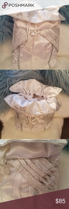 Hallspenself Designs Wedding Bridal Bags This lovely is silver and white handmade by ME. The photos say it all Hallspenself Designs Bags Clutches & Wristlets