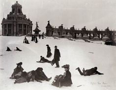 After the Fair was Over. (St. Louisans sledding down Art Hill after the 1904 World's Fair was over. The East Restaurant Pavilion and Colonnade of States are still visible in the background). Photograph by Jessie Tarbox Beals, 1904-05. Missouri History Museum Photographs and Prints Collections. Louisiana Purchase Exposition. N34389.
