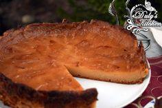 Tarta de manzana muy fácil, con sólo 4 ingredientes. Es la clásica tarta de manzana de la abuela con un intenso sabor a manzana y una textura jugosa.