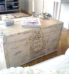 DIY: Gorgeous Painted French Trunk! This is what I'll do with my old college trunk. Goes in my new serene bedroom.