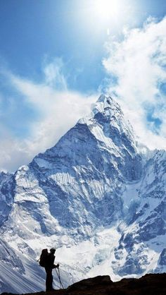 Hiking In Himalaya, Nepal Monte Everest, Voyage Nepal, Photos Voyages, Mountaineering, Adventure Is Out There, The Great Outdoors, Wonders Of The World, Adventure Travel, Places To See