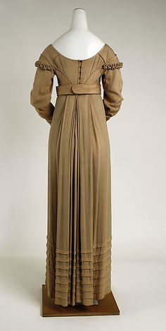 Dress (image 2) | American | 1810 | silk | Metropolitan Museum of Art | Accession Number: C.I.41.146.2a, b