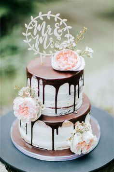 wedding cake trends and ideas - rustic drip wedding cake ideas chocolate wedding cake 2019 Wedding Cake Trends: 25 Drip Wedding Cakes Barn Wedding Cakes, Floral Wedding Cakes, Elegant Wedding Cakes, Wedding Cake Designs, Wedding Cake Toppers, Wedding Cake Vintage, Gold Wedding, Wedding Cake Simple, Wedding Fayre