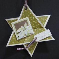 Ook zo'n uitvouwbare ster maken? In dit blogbericht staat een link naar de website van Marjolein Zweed Creatief, waar je het patroon van deze bijzondere kerstkaart kunt vinden.