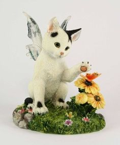 Darby Fairy Cat Figurine - Faerie Glen Fairy Cat Collection: Kitty with Butterfly Fairy
