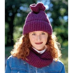 Tube Moebius Scarf and Hat in Lion Brand Wool-Ease Chunky - 1328 | Knitting Patterns | LoveKnitting