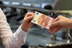 Este martes entra en circulación el nuevo billete de 10 euros que es más difícil de falsificar - http://plazafinanciera.com/este-martes-entra-en-circulacion-el-nuevo-billete-de-10-euros-que-es-mas-dificil-de-falsificar/ | #BancoCentralEuropeo, #BilletesFalsos, #Euro #Economía