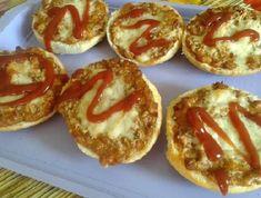 9 villámgyors melegszendvics, aminek nem tudsz ellenállni | Mindmegette.hu Bagel, Baked Potato, Muffin, Potatoes, Bread, Baking, Breakfast, Ethnic Recipes, Food