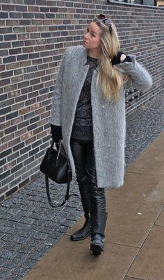 My Style Rock chick look - Visit my blog Lionsandwolves.com for more pics...   #lionsandwolves #fashionblogger