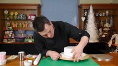 Round Bow Cake lesson 5 icing the board - Cake Decorating with Paul Brad...