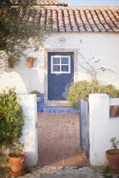 Rural Portuguese Wedding Shoot Holiday Home, Cottage Style, Latest House Designs, House Exterior, Charming House, Beach Bungalows, Rustic Design, Back Gardens, Exterior