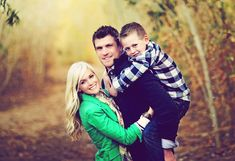 Cute pose for a family with 1 kid