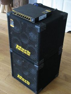 Nice mini stack. Two New York 604 cabinets and the F1 amp.