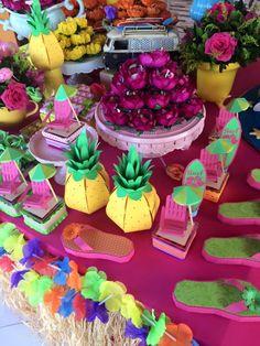 Olha que linda Festa Luau!!Venha se apaixonar por esta linda decoração.Imagens Mundo Caramelo Festas.Lindas ideias e muita inspiração.Bjs, Fabíola Teles.Mais ideias lindas: Mundo Caramelo Fest...
