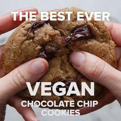 The Best Ever Vegan Chocolate Chip Cookies #cookie #dessert #vegan