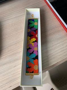 Bead Loom Patterns, Beaded Jewelry Patterns, Peyote Patterns, Beading Patterns, Bead Loom Bracelets, Bracelet Crafts, Motifs Perler, Tea Design, Moise