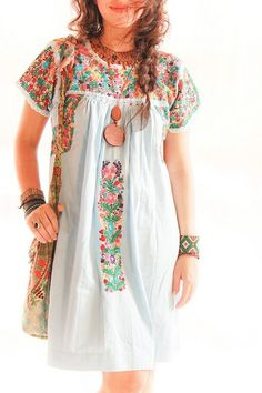 Mexican embroidered dress my-style Mode Hippie, Mode Boho, Bohemian Style, Boho Chic, Bohemian Clothing, Feminine Mode, Mexican Embroidered Dress, Mexican Fashion, Mexican Style
