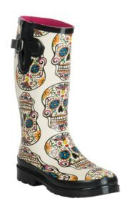 Blazin Roxx Women's Sugar Skull Cream Round Toe Rain Boots M&F Women's Cream Sugar Skull Round Toe Rain Boots Cute Shoes, Me Too Shoes, Original Ugg Boots, Sugar Skull Design, Over Boots, Skull Fashion, 50 Fashion, Cheap Fashion, Fashion Styles