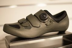 New Specialized Audax cycling shoes. This one is in Oak Green. Nice eh? And try to find a brand anywhere | Racefietsblog.nl