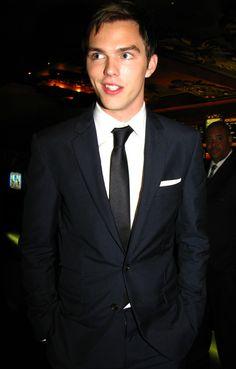 Nicholas Hoult. so. attractive.