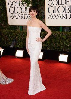 Anne Hathaway in Chanel - Golden Globes 2013
