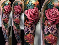 Tatuaje de flores y rosas para hombre. Diseño de brazo completo a color