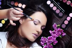 Some Android apps that offer makeup beauty tips and tricks, make-up trends, DIY tutorials, hairstyle trends, etc. to polish your makeup skills. Best Makeup Tips, Latest Makeup, Best Makeup Products, Make Eyes Bigger, Indie Mode, Juliana Goes, Professionelles Make Up, Makeup App, Free Makeup