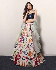 Designer Bridal Lehenga, Indian Wedding Outfits, Indian Outfits, Wedding Dresses, Bridal Outfits, Bridal Gowns, Indian Lehenga, Silk Lehenga, Lehenga Blouse