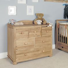 This Amelie Oak baby changer has plenty of storage as it features a chest of drawers with six drawers one large two medium and three small.