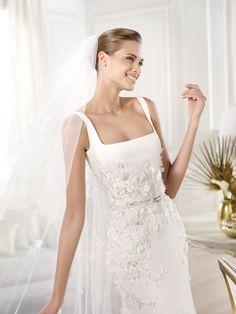 Sagitta by Elie Saab Pronovias 2014 Pronovias Wedding Dress, V Neck Wedding Dress, One Shoulder Wedding Dress, Wedding Dresses, Elizabeth Johns, Elie Saab, Sleeve Styles, Gowns, Inspiration