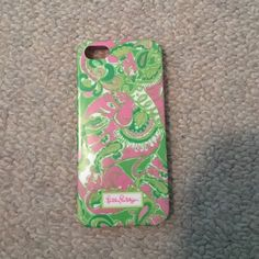 iPhone 5/5s case Lilly Pulitzer. Used for sometime but in great condition. Super cute & fun! Lilly Pulitzer Other
